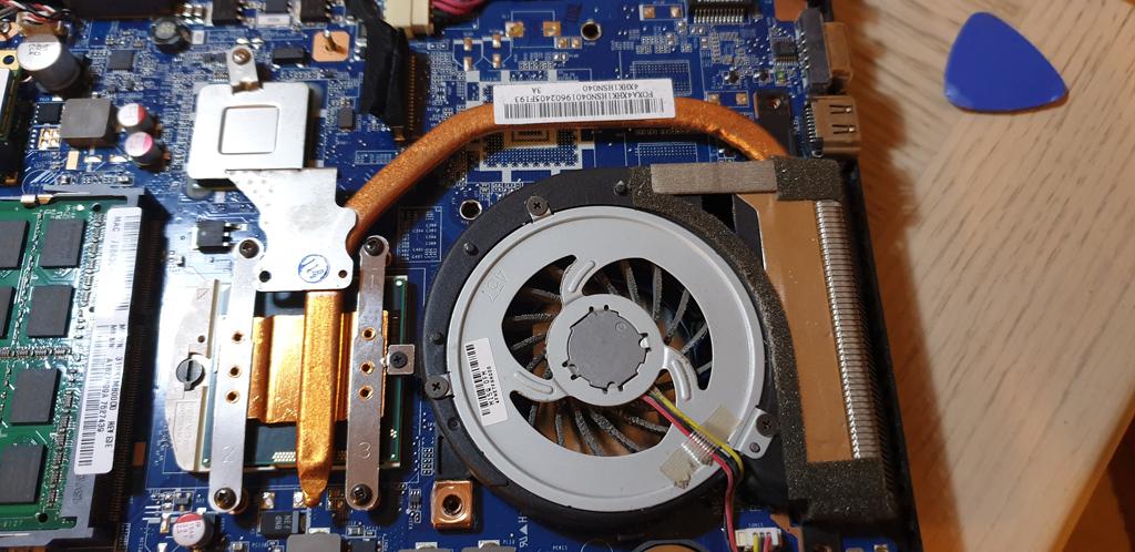 Intel i5-2430M CPU & Heatsink in Sony Laptop